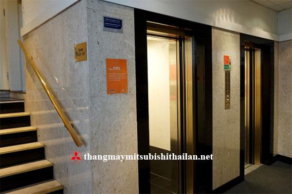 thang máy dành cho khách sạn